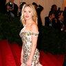 Скарлетт Йоханссон 2012 год. На  Met Ball в Dolce & Gabbana