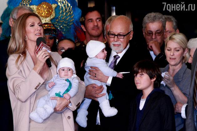 Селин Дион с мужем и детьми