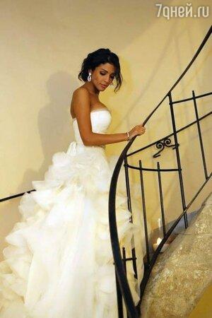Санта Димопулос в свадебном платье