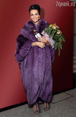Анастасия Сланевская (Слава). Нацеремонии вручения премии «Золотойграммофон». 2010 г.