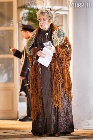 Александра Назарова на съемках фильма «Ёлки 1914»