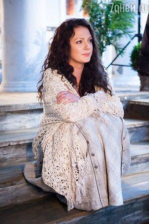 Елена Плаксина на съемках фильма «Ёлки 1914»