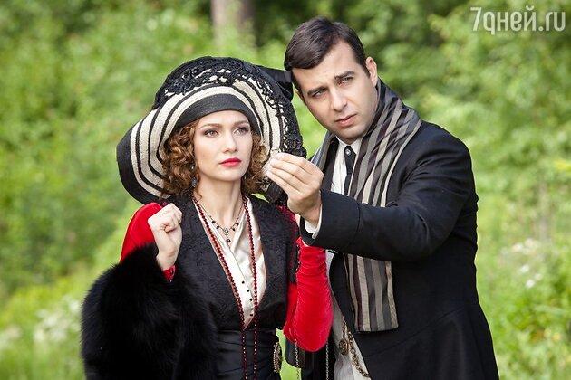 Евгения Брик и Иван Ургант на съемках фильма «Ёлки 1914»