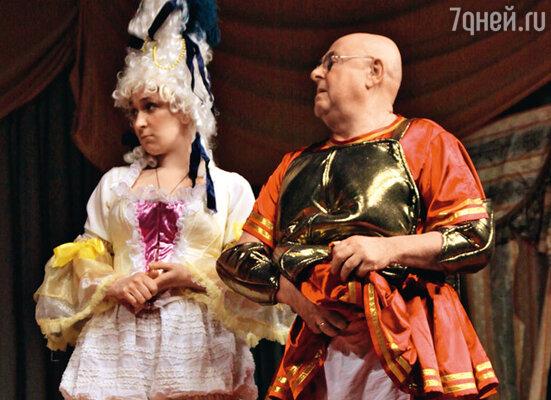 Олеся Железняк и Владимир Долинский в спектакле «Как стать желанной»