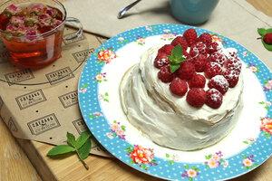 Панкейки с творожным кремом и малиной: рецепт от ведущей Елены Усановой