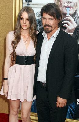Актер Джош Бролин с дочерью