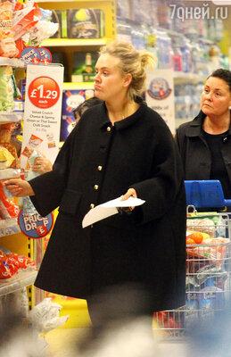 Как все достали Адель с тем, что ей надо худеть! А если она не хочет? А если она любит попкорн и мороженое и не собирается отказывать себе в единственном в своей жизни удовольствии?