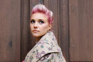 Ирина Тонева выпустила сразу 2 сольных трека
