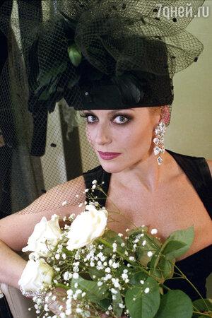 Со временем образ Ирины Понаровской становится более женственным и элегантны
