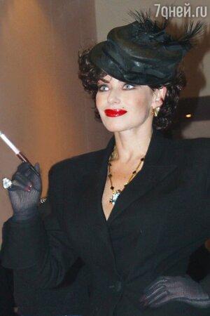 Ирина Понаровская шляпка макияж