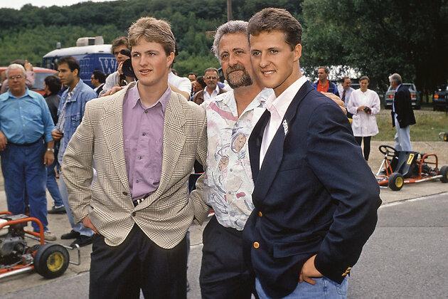 Михаэль Шумахер с отцом и братом