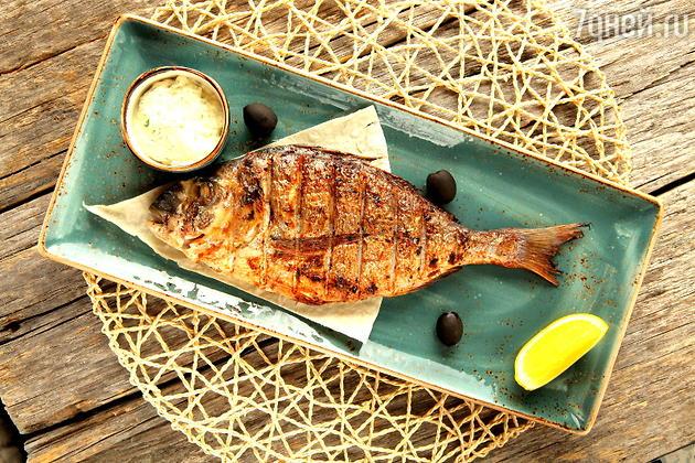 Рыба Дорадо, запеченная в духовке: рецепт от бренд-шефа Дениса Перевоза