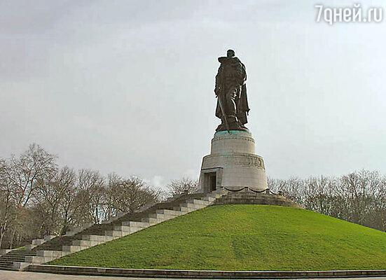 Мемориальный комплекс Трептов-парк (Берлин, Германия)