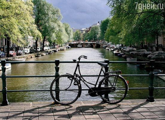 Велосипед — главное средство передвижения в Амстердаме