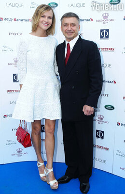 Антон Табаков с супругой