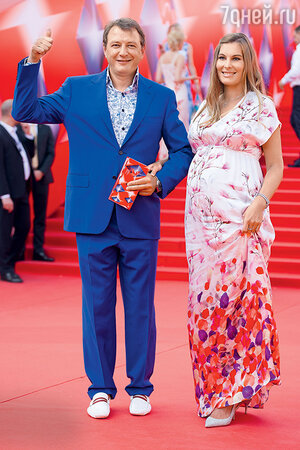 Марат Башаров с невестой Елизаветой Шевырковой