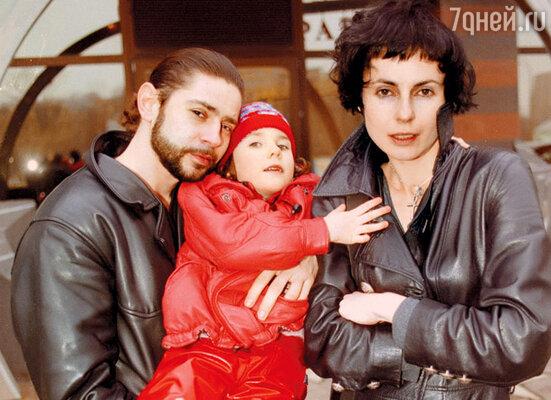 С бывшим мужем Валерием Николаевым и их шестилетней дочкой Дашей