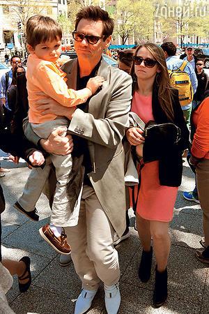 Джим Керри с внуком Джастином и дочерью Джейн