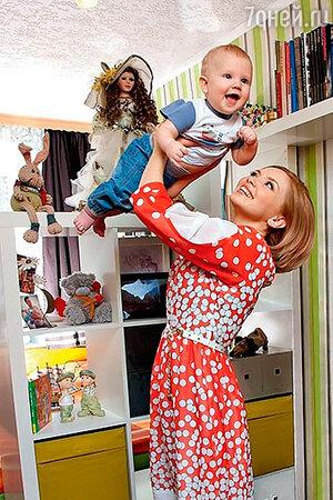 Ольга Кузьмина с сыном и мамой