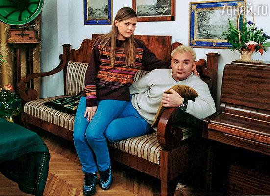 «Я тогда была замужем, и вступать в переписку с мужчиной, которому я нравлюсь, было бы почти изменой». Мария Голубкина с мужем Николаем Фоменко. 2001 г.