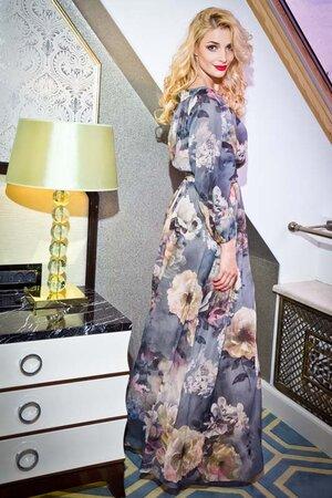 Татьяна Котова в платье от I'll be back