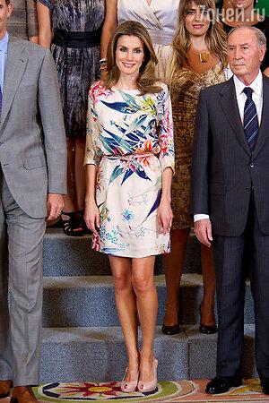 Летиция Ортес в платье Zara