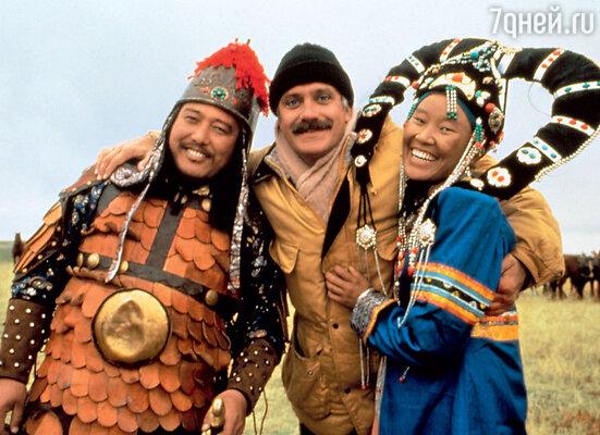 Никита Михалков насъемках фильма «Урга— территория любви». 1991 г.