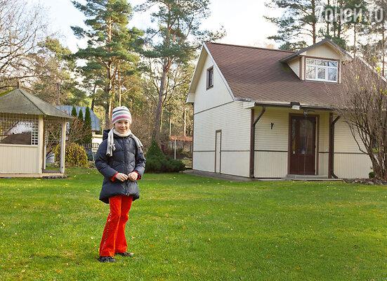 В юрмальских владениях артиста целых два дома— один для семьи...