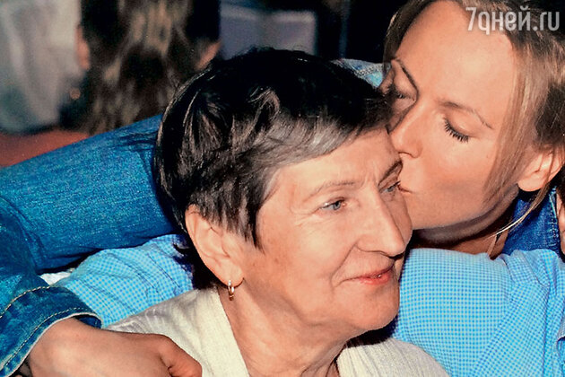 Мария Куликова с матерью