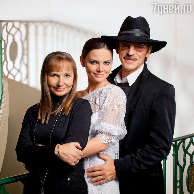 Михаил Боярский  и Лариса Луппиан с дочерью Елизаветой