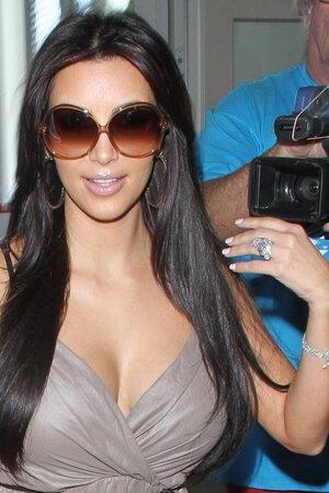 Ким Кардашьян с кольцом от Криса Хамфриса