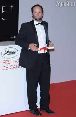 «Лучшим режиссером» стал мексиканец Карлос Рейгадас, который привез в Канны «После мрака свет»