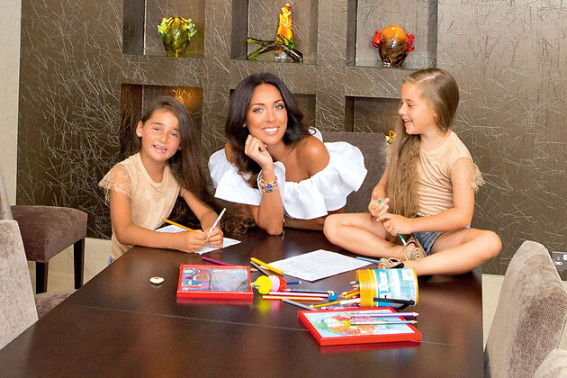 Алсу с дочерьми Сафиной и Микеллой