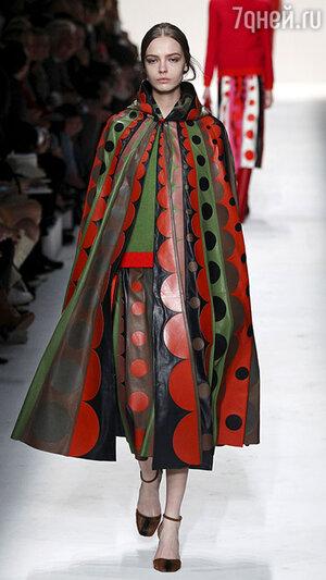 Модная модель сезона осень-2014 от«Valentino»