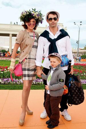 Ольга Дроздова и Дмитрий Певцов в сыном Елисеем