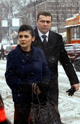 Одри Тоту во время прогулки по Москве