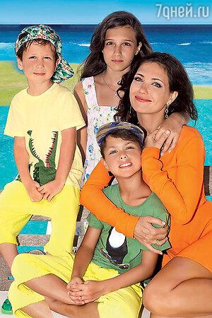 Екатерина Климова с детьми