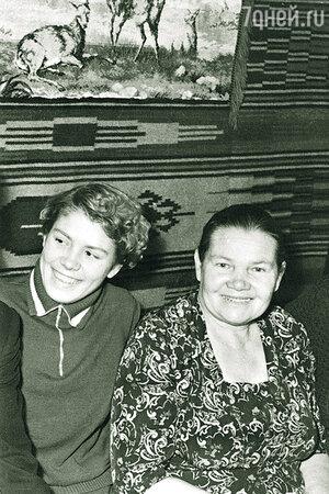 Лариса Латынина с матерью