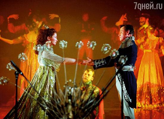После поклонов Николай Петрович сильно обнял меня и шепнул: «Спасибо...» Сцена адажио из «Юноны и Авось»
