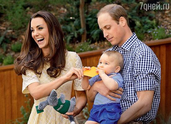 Необыкновенная народная любовь к принцу Уильяму, его супруге Кэтрин и их сыну Джорджу растет скаждым месяцем