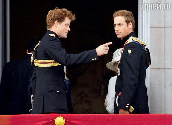 Принц Гарри срождением детей у старшего брата отодвигается все ближе кконцу очереди на престол