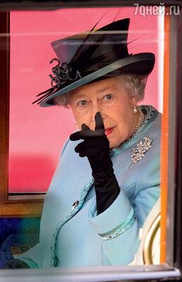 Несмотря нанастроения вбританском обществе, закон неможет нарушить даже сама королева. Елизавета II невольна оставить корону внуку