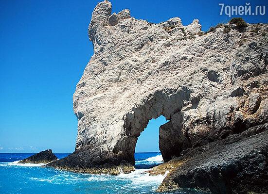 Вход в Голубую пещеру