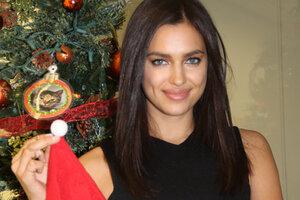 Видео дня: новогоднее поздравление от Ирины Шейк