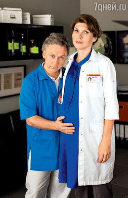В новом сезоне «Интернов» главврач Кисегач ждет ребенка. С доктором Купитманом (Вадим Демчог)