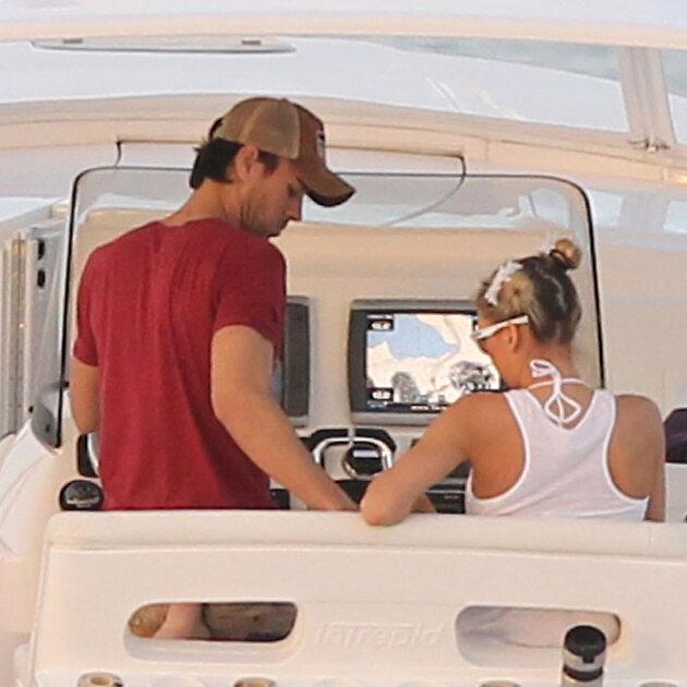 12 января 2014 года пара была замечена на романтической прогулке на катере во Флориде
