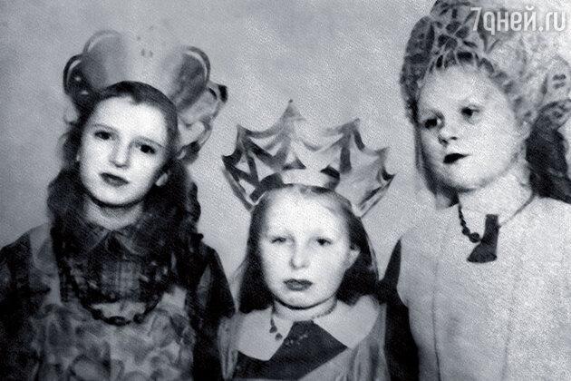 Наталья Белоусова, Татьяна Назарова с сестрой Анной