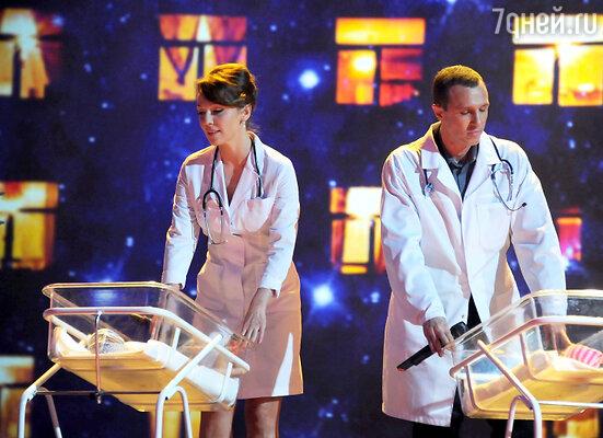 Альбина Джанабаева и Игорь Верник в телешоу «Две звезды»