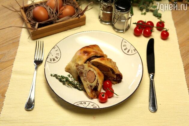 Рулет «Мраморный» с немецкими колбасками: рецепт от ведущей Елены Усановой