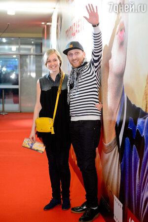 Гавриил Гордеев (Гавр) с супругой  на премьере фильма «Скорый «Москва-Россия»